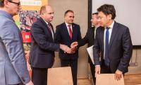 Uroczystość podpisania umów z lokalnymi grupami działania, fot. Andrzej Goiński