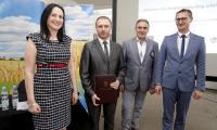 Uroczystość podpisywania umów o dofinansowanie inwestycji w ramach PROW, fot. Mikołaj Kuras.